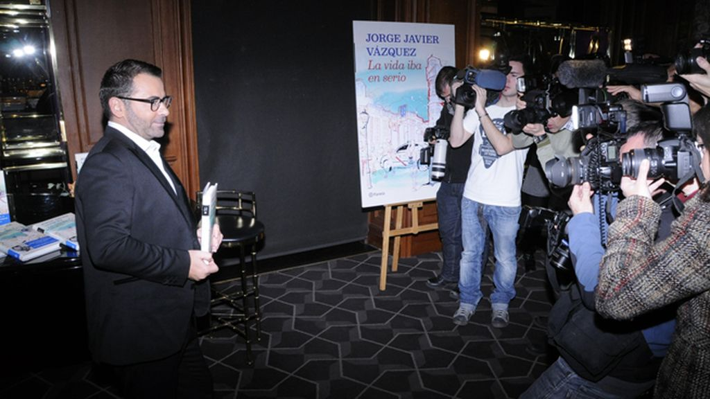 """Jorge Javier Vázquez agradeció a """"Sálvame"""" la inestimable ayuda para hacer de su libro un éxito"""