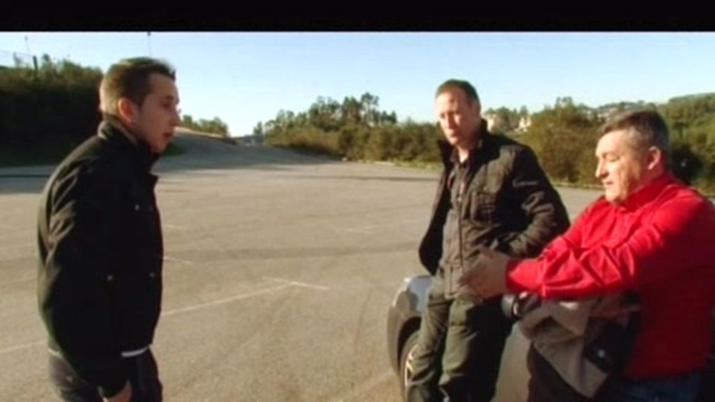 Adrián se enfada con 'El Pera' porque no le deja su coche para correr
