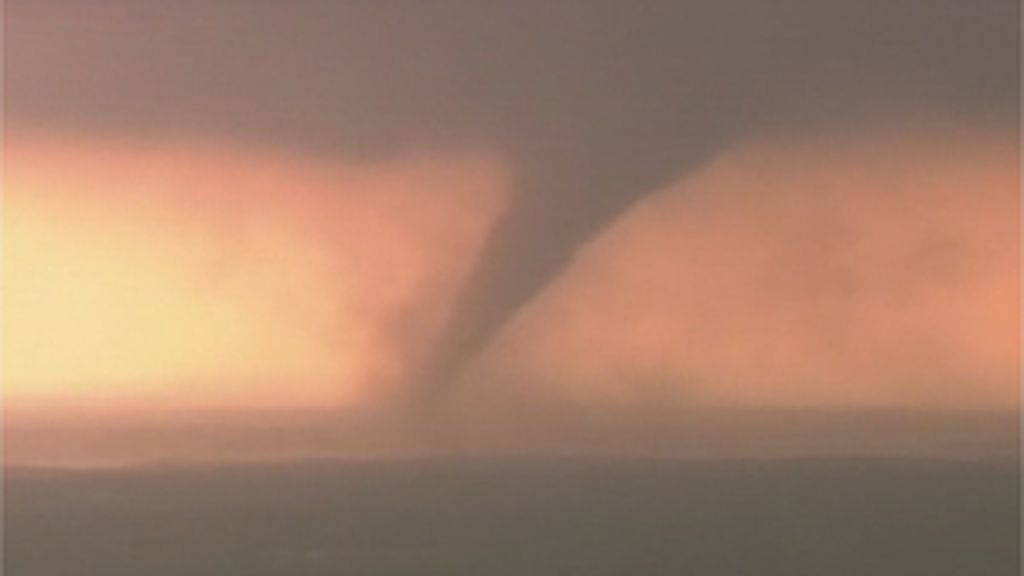 Fuerte tornado en Oklahoma
