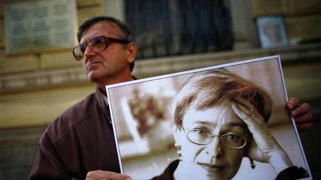 Protestas por la muerte de Politkóvskaya
