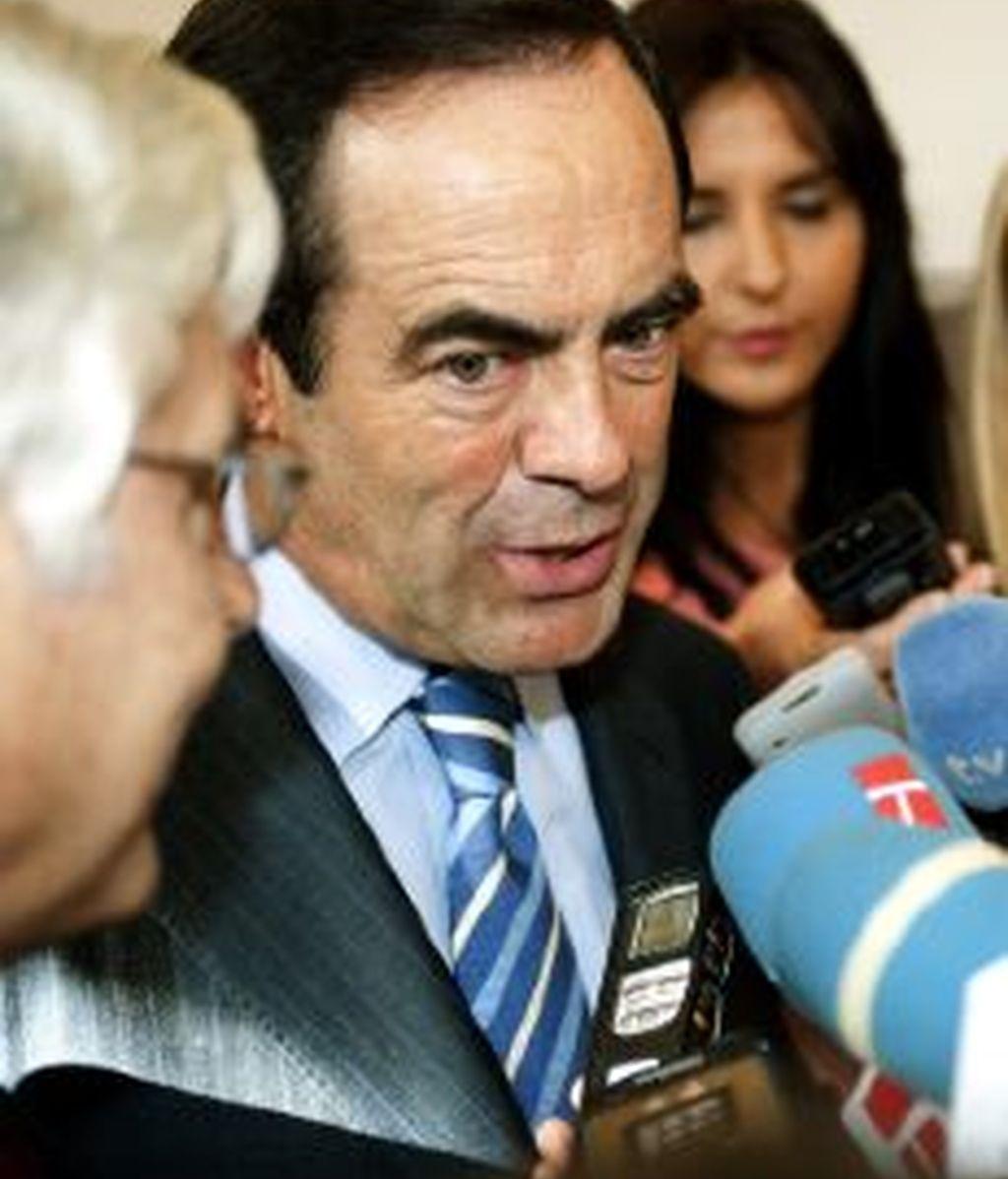 El presidente del Congreso de los Diputados, José Bono (d), junto al presidente en funciones de Castilla-La Mancha, José María Barreda. EFE