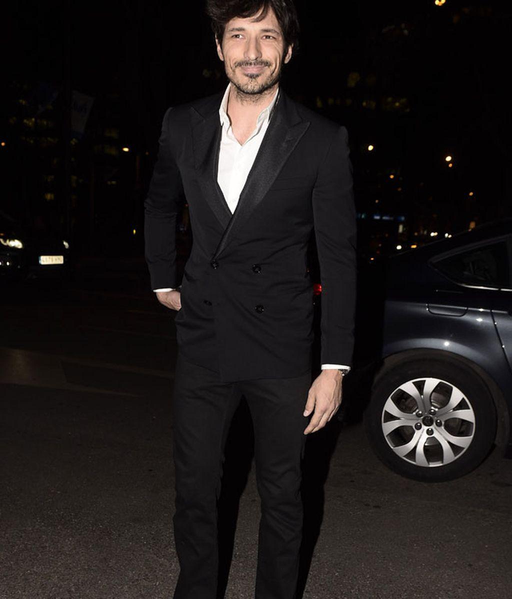 El modelo Andrés Velencoso tampoco se quiso perder la fiesta