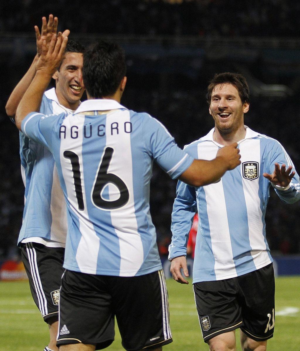 Messi y Agüero lideran el resurgir albiceleste