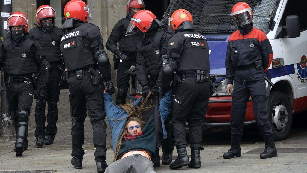 Detenidos los tres condenados de Segi concentrados en Vitoria