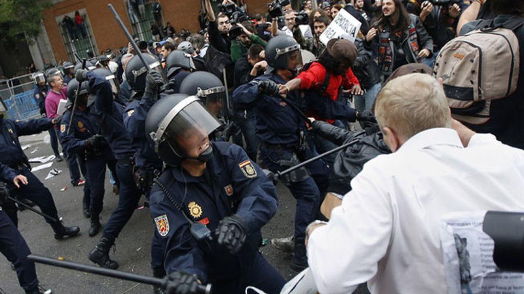 Cargas policiales en los alrededores del Congreso