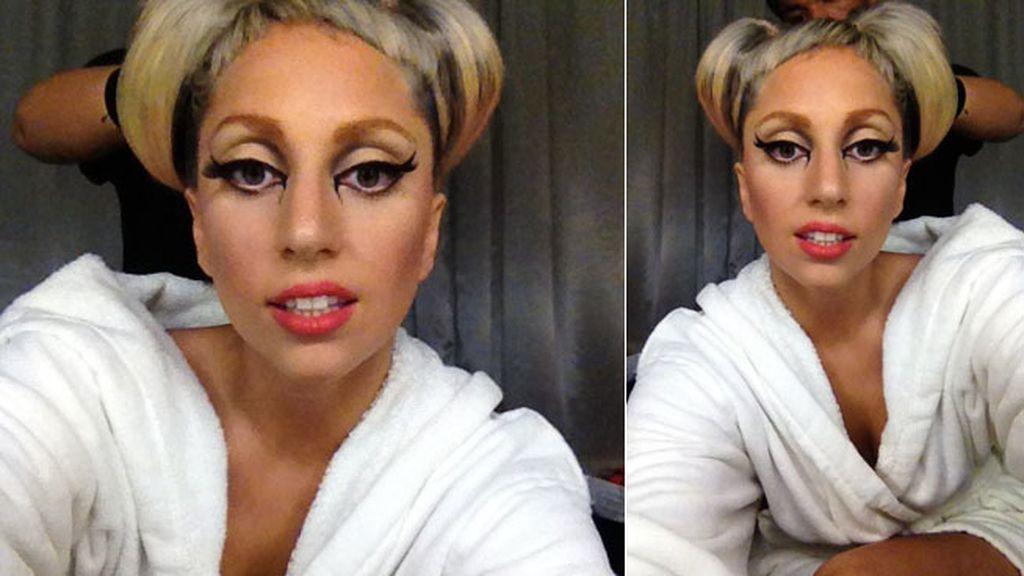 Lady Gaga colgó esta foto en Twitter para dar las buenas noches a sus fans