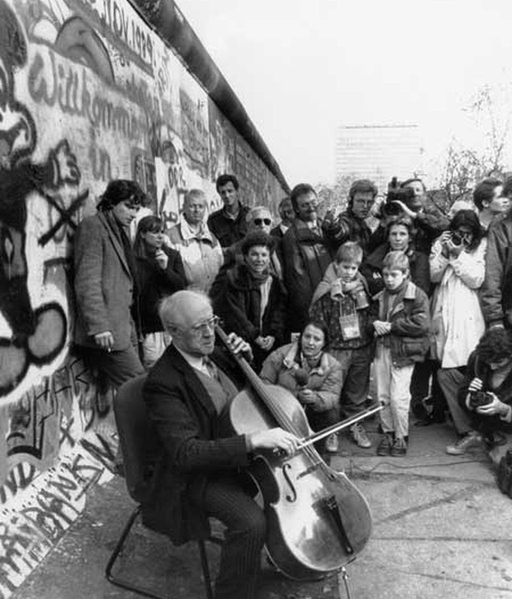 Rostropóvich quiso tocar para Berlín