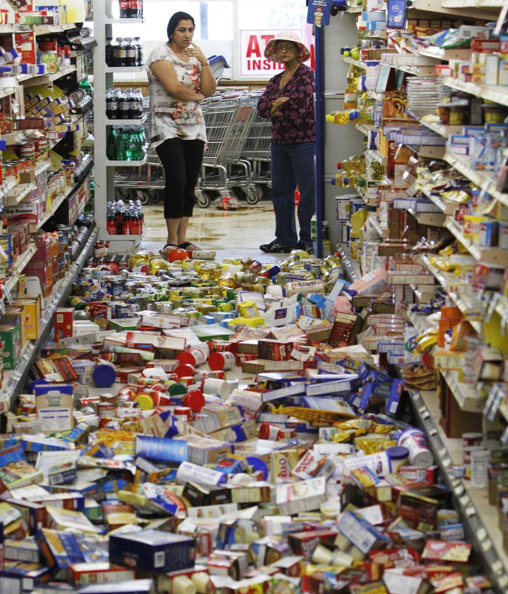 Los productos han caída al suelo como consecuencia del sismo