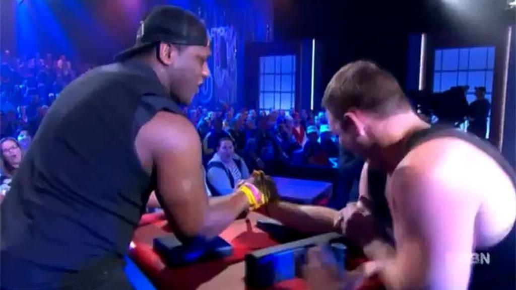 Momento en el que el brazo de Ben Ross se rompe