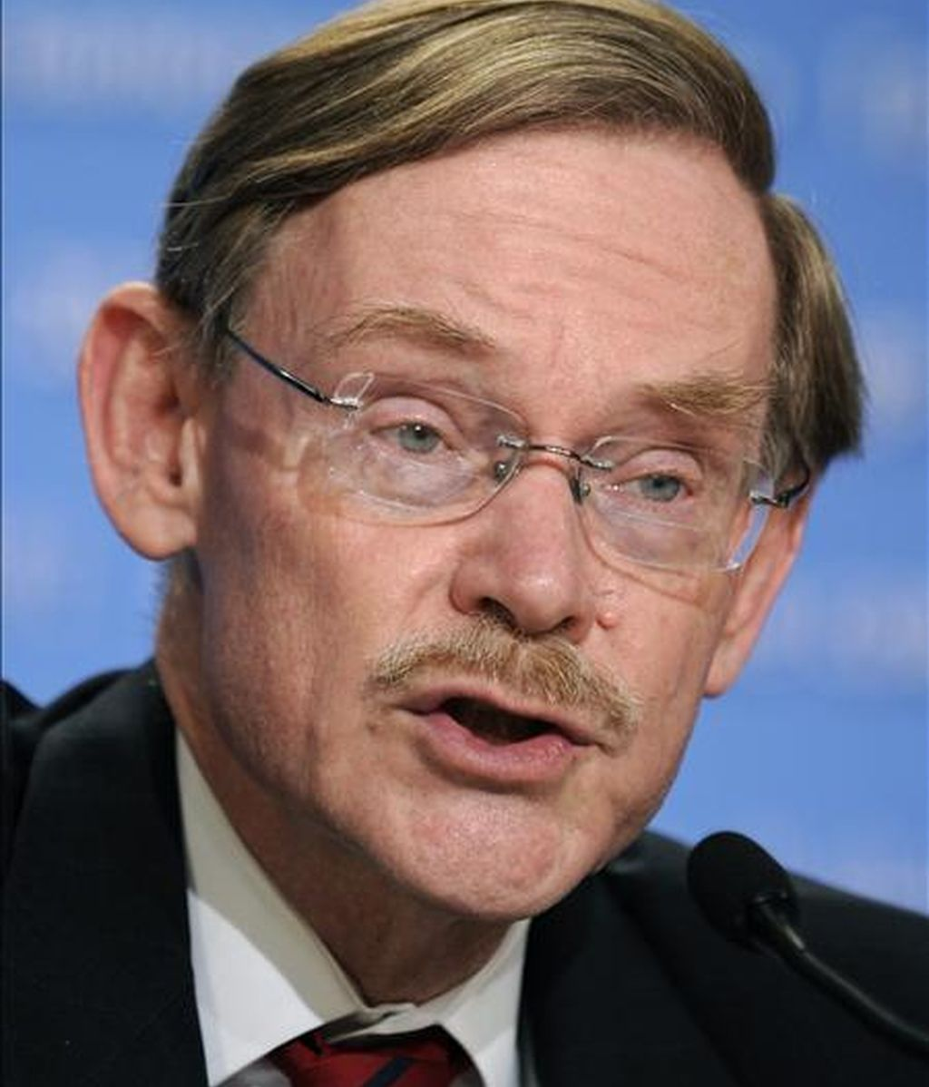 """""""Robar es suficientemente malo, timar a los pobres es repugnante"""", afirmó Robert Zoellick, presidente del Banco Mundial, durante la primera reunión del organismo. EFE/Archivo"""