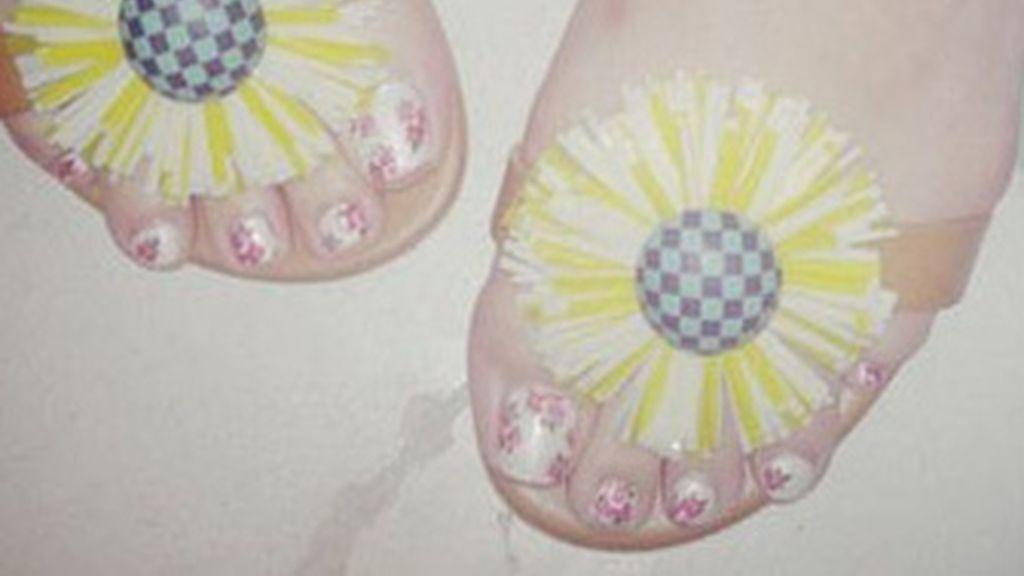 Katy Perry, de uñas
