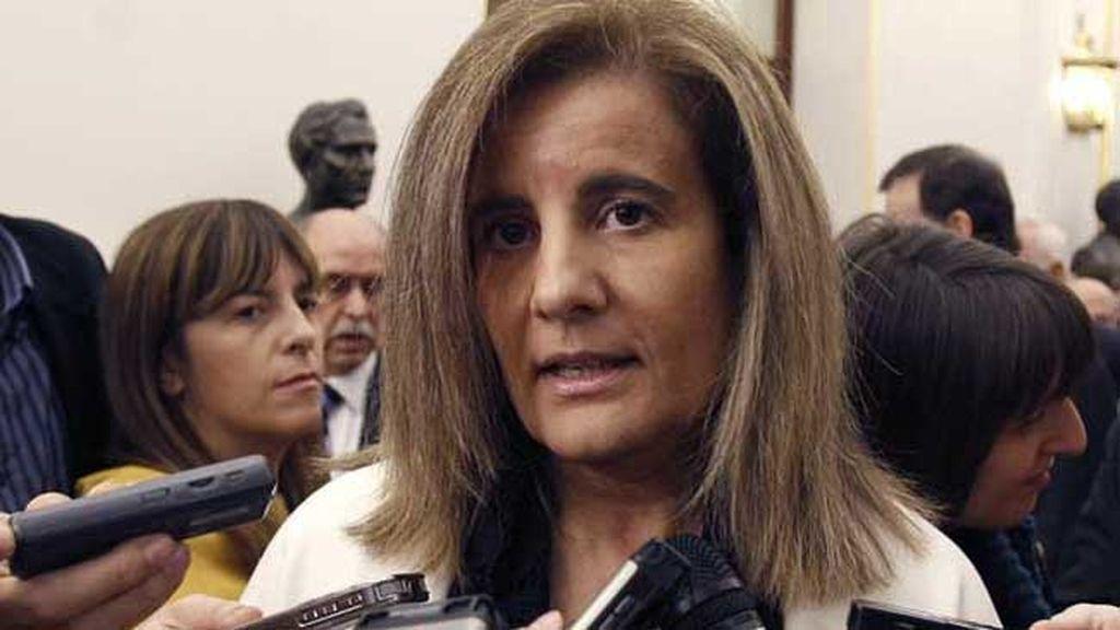 """Báñez ha insistido en el que el Gobierno no va a tocar las prestaciones por desempleo porque son un derecho adquirido por los trabajadores con su trabajo de """"cada día""""."""