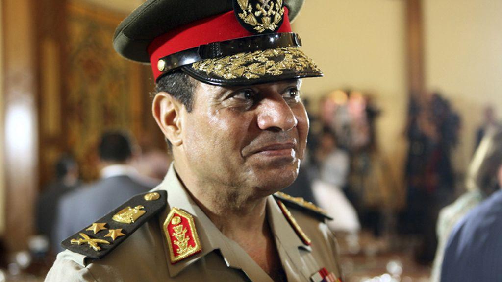 El Ejército egipcio da 48 horas a los políticos para que cumplan demandan