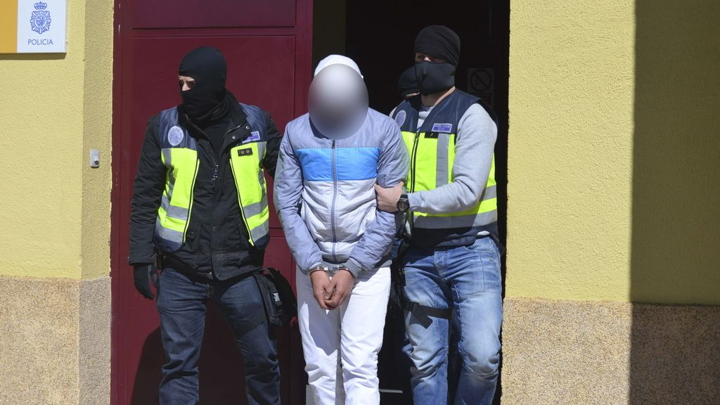 LOS DETENIDOS EN CEUTA, TRASLADADOS A MADRID