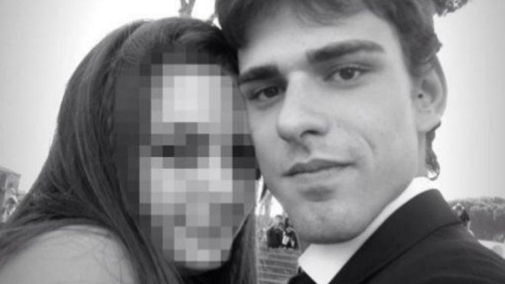 """Dos chicos torturan hasta la muerte a un joven """"para ver qué se sentía"""""""
