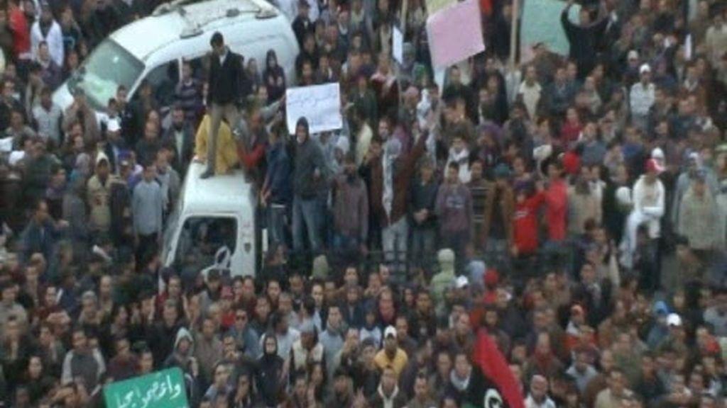 El régimen de Gadafi se sigue desmoronando
