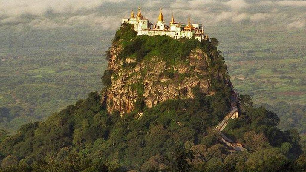 Templo de Taung Kalat, Myanmar