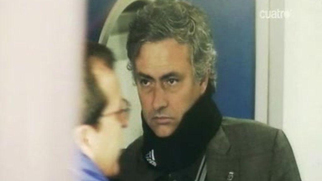 Mourinho, abatido, ve como se le escapa la Liga