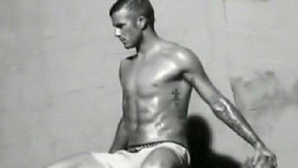 David Beckham te lo enseña casi todo