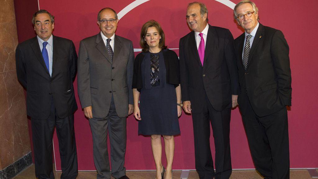 Sáenz de Santamaría en un acto de entrega de la medallas en Barcelona
