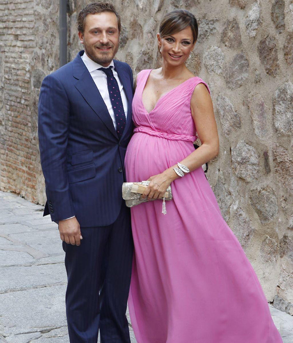 Juan Peña y su embarazadísima novia no faltaron al sarao