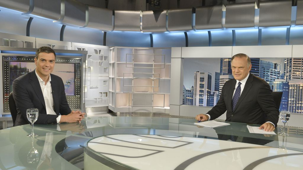 Pedro Sánchez, entrevistado por Pedro Piqueras en Informativos Telecinco
