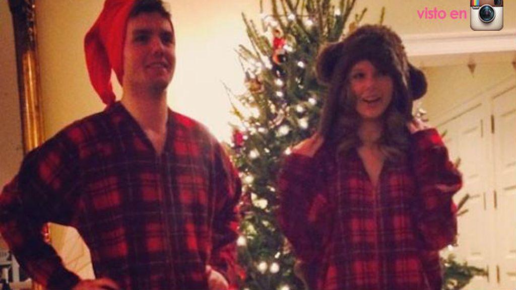 Taylor Switf lleva el mismo pijama que su hermano, ¡qué adorable!