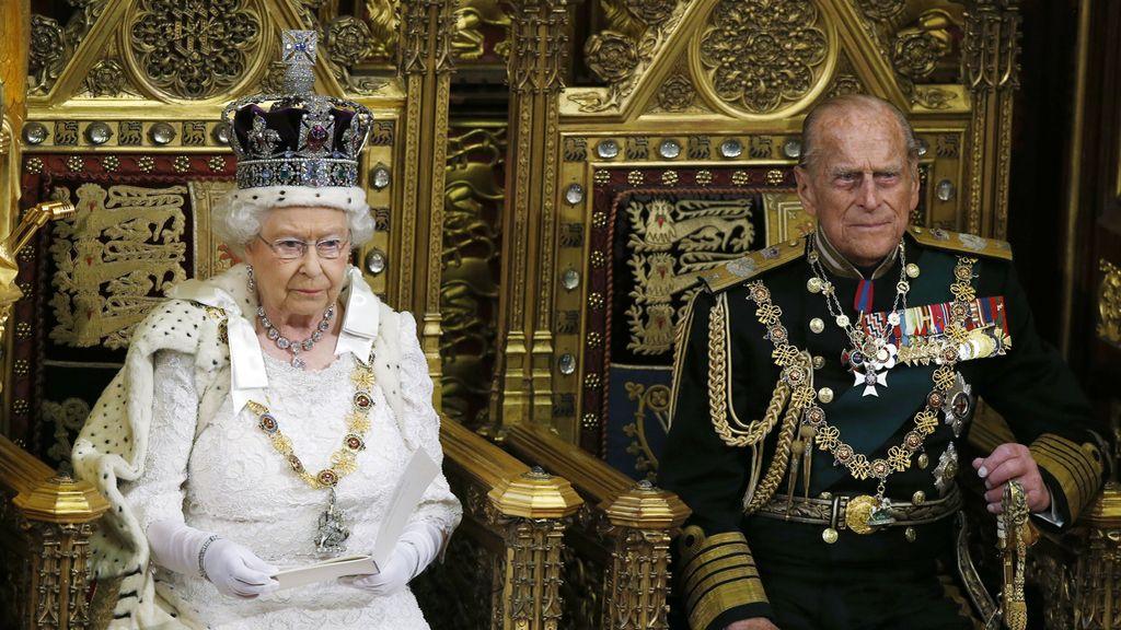 La reina Isabel II en un acto de la Cámara de los Lores