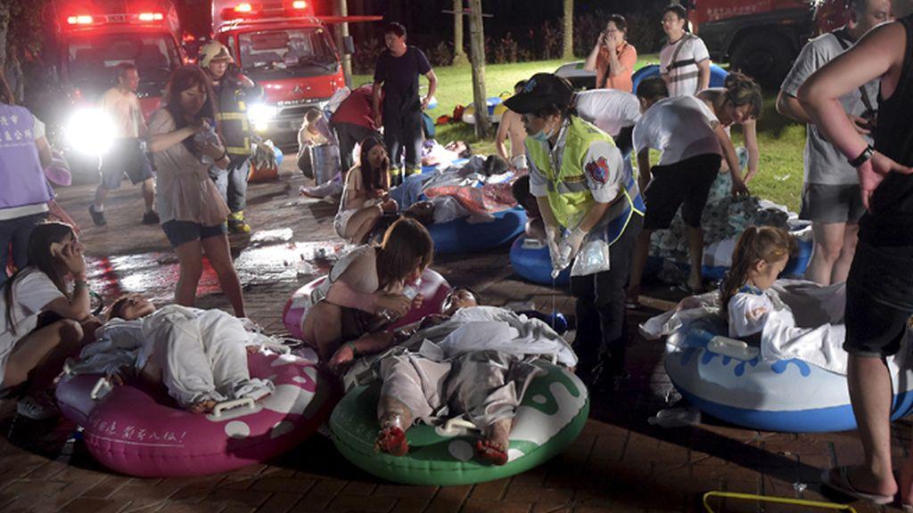 Más de 200 heridos por un incendio en un parque acuático de Taipei