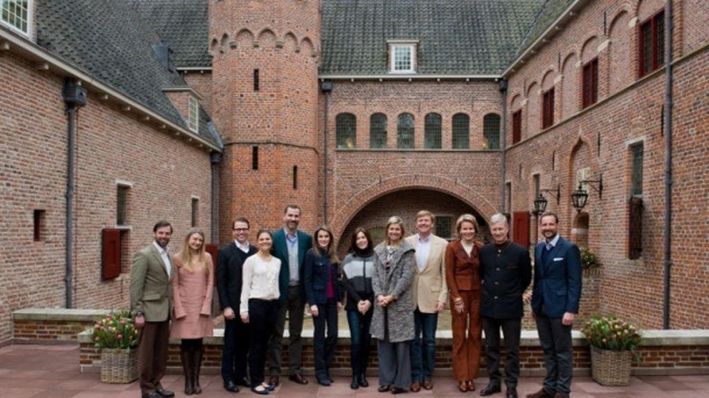 Los Príncipes de Asturias asisten a una reunión de los príncipes herederos europeos