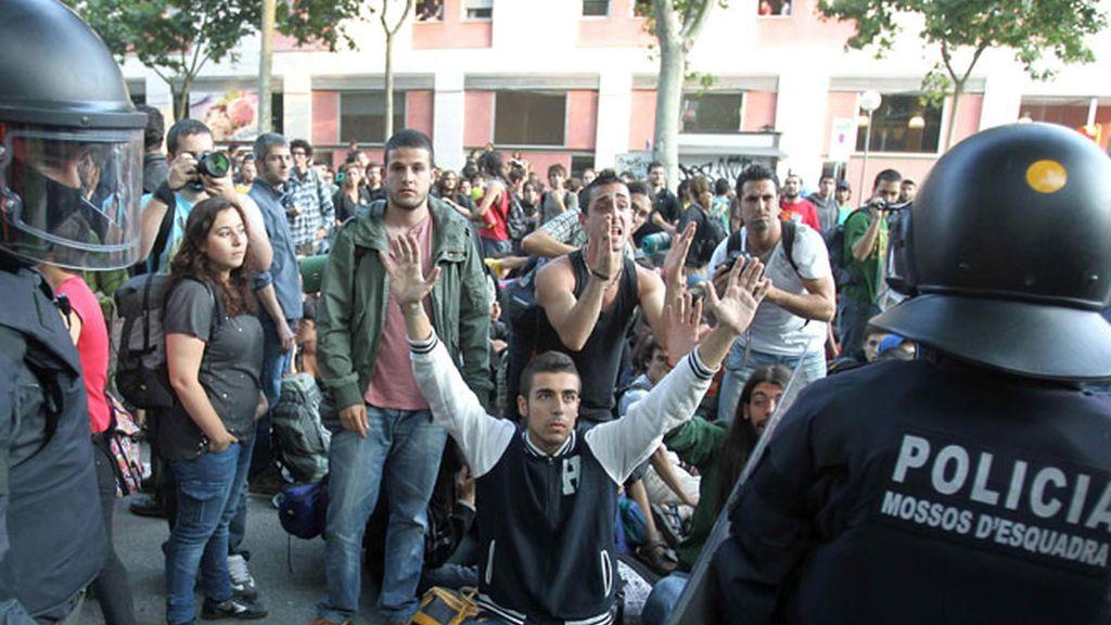 Puig reconoce que había Mossos infiltrados entre los indignados