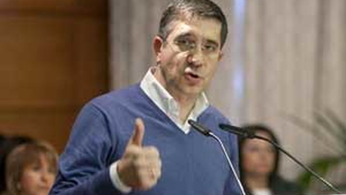 La celebración del 30 aniversario del Estatuto reúne en Vitoria a numerosos dirigentes políticos e institucionales. Vídeo: ATLAS