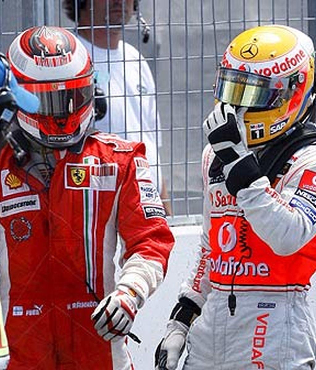 El piloto inglés se ha tenido que disculpar con Raikkonen. Foto: EFE