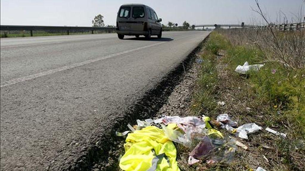 Un hombre ha muerto esta mañana en Alfarràs (Lleida) al salirse de la vía el turismo en el que viajaba, cuyo conductor ha sido detenido por circular ebrio y drogado y carecer de carné. EFE/Archivo