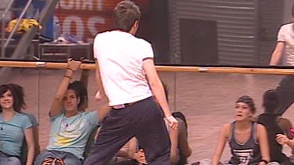 Clase de baile fente al espejo