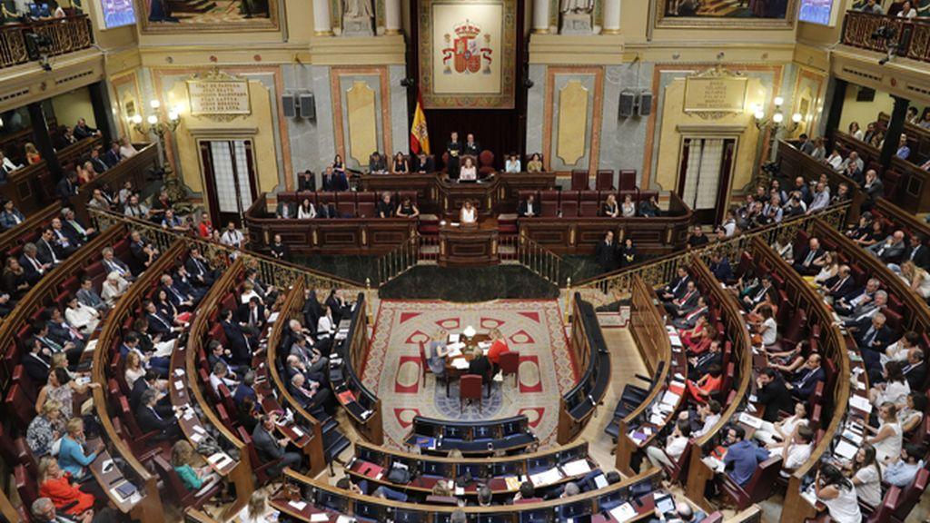 Diez diputados nacionalistas apoyan la Mesa de PP y Ciudadanos