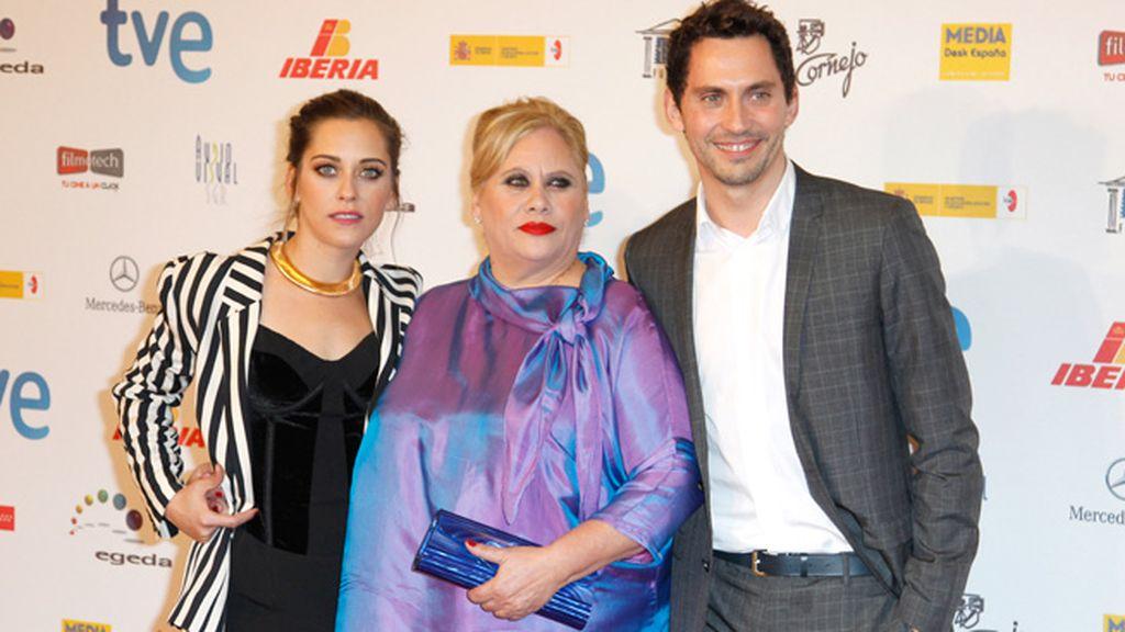 Carmina León no ganó el premio a Actriz Revelación pero estuvo arropada por sus hijos en todo momento