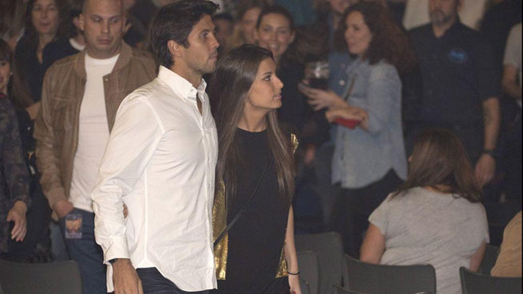 Entre aplausos, Preysler reapareció de luto para apoyar a su hijo en Madrid