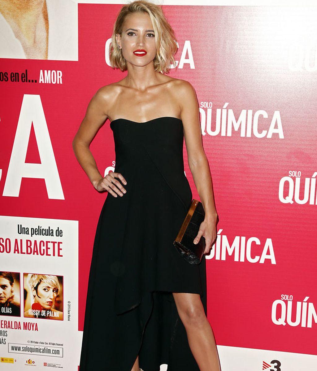 Ana Fernández, con un vestido negro palabra de honor