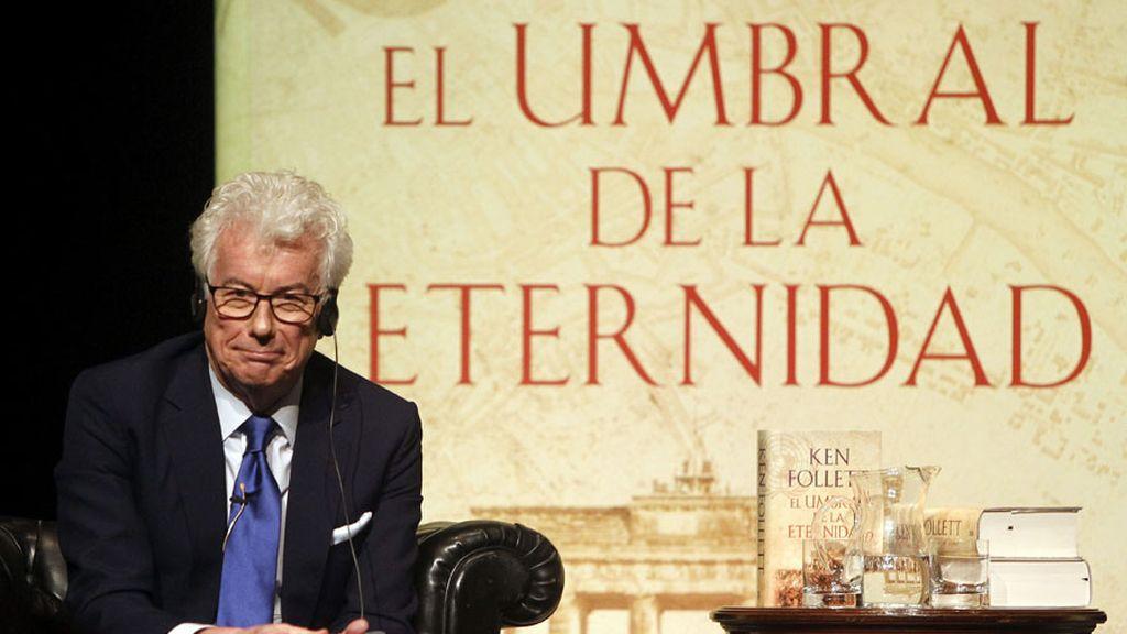 Ken Follet presenta su nueva novela 'El umbral de la eternidad'