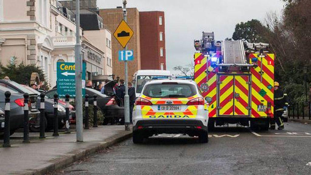 Un hombre armado abre fuego durante un evento de boxeo en un hotel de Dublín