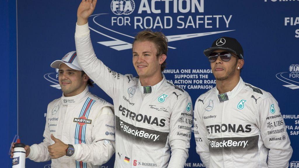 Rosberg acompañado de Lewis