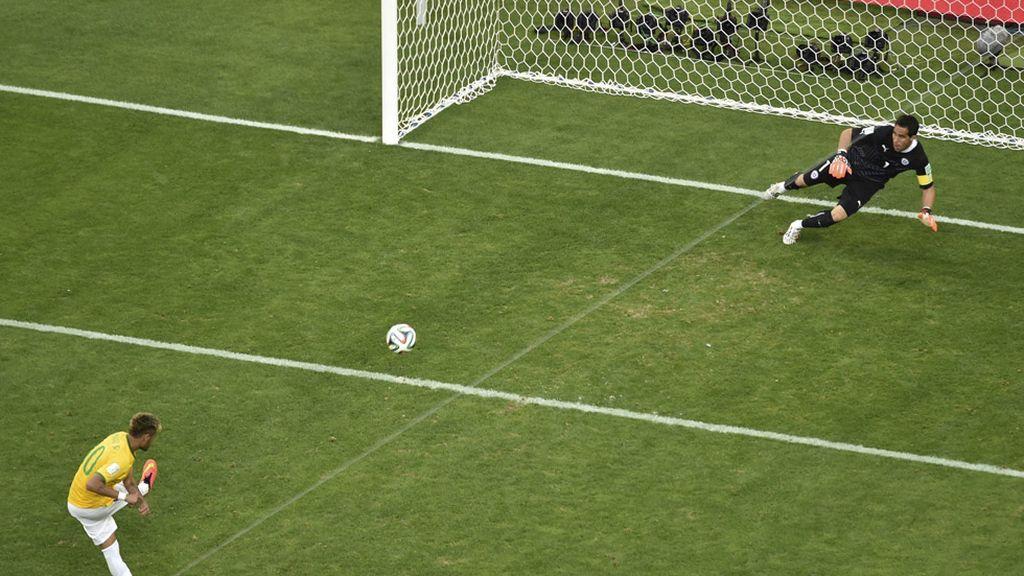 Pero marcó el penalti definitivo que metió a Brasil en cuartos de final