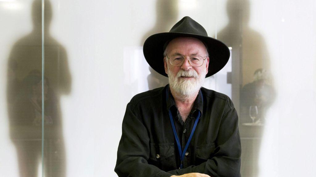 Muere el novelista británico, Terry Pratchett