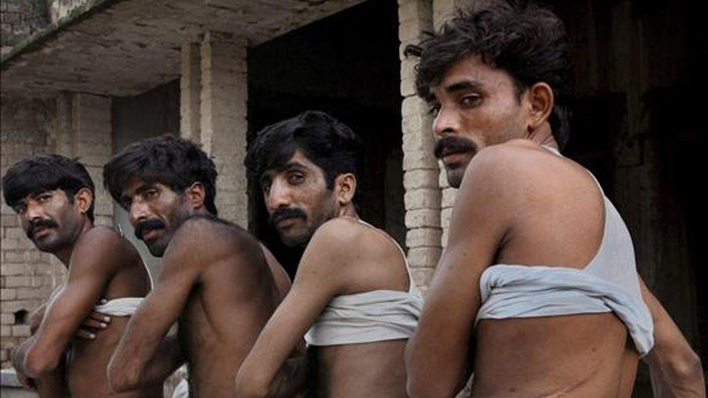Foto de archivo, de tres hombres que donaron de forma ilegal sus riñones para el tráfico ilegal de órganos. EFE/Archivo