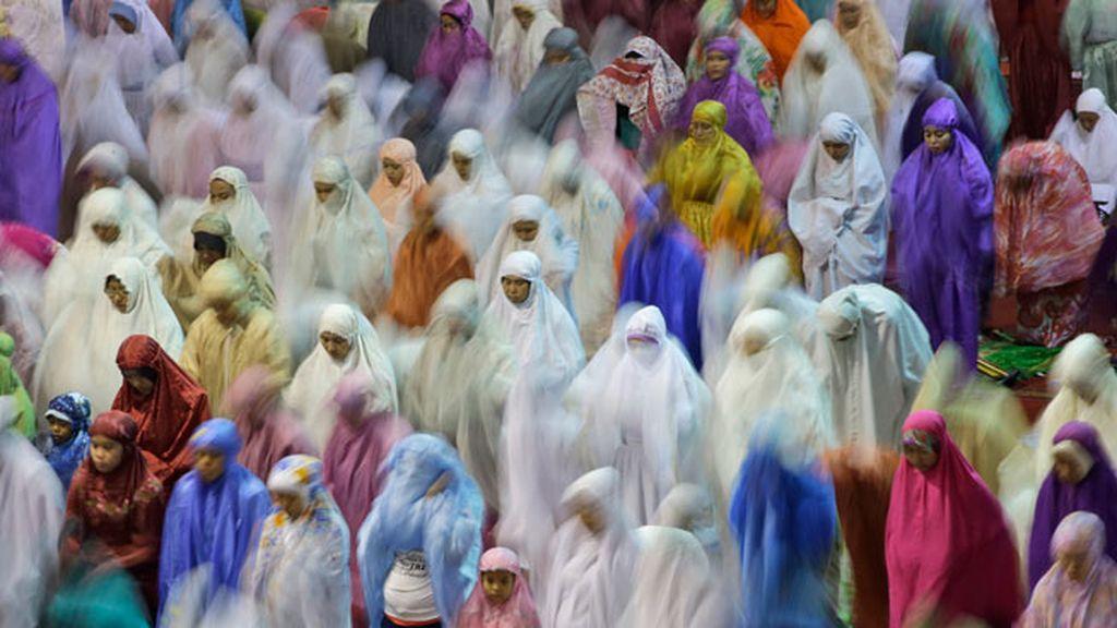 Musulmanes de todo el mundo celebran el mes del ramadán