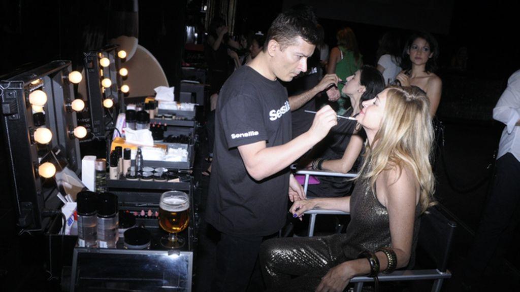 Las invitadas a la fiesta tenían a su disposición un servicio de maquillaje