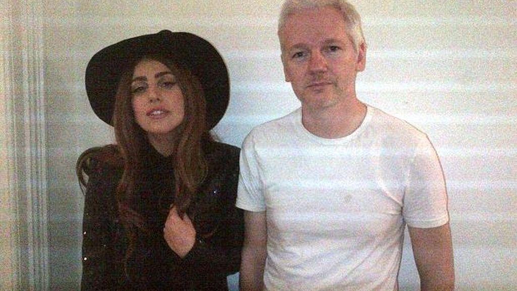 julian Assange, Lady Gaga