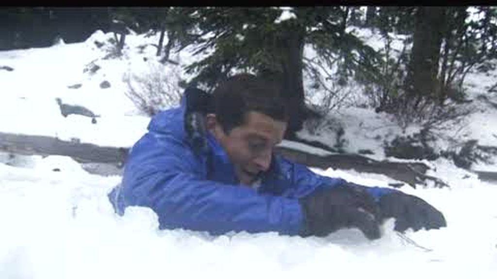 Oregón: El último superviviente se cae en un lago helado