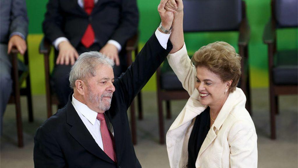 Lula da Silva con Dilma Rousseff durante su nombramiento como ministro de la Presidencia